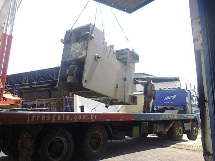 Transporte de máquinas operatrizes